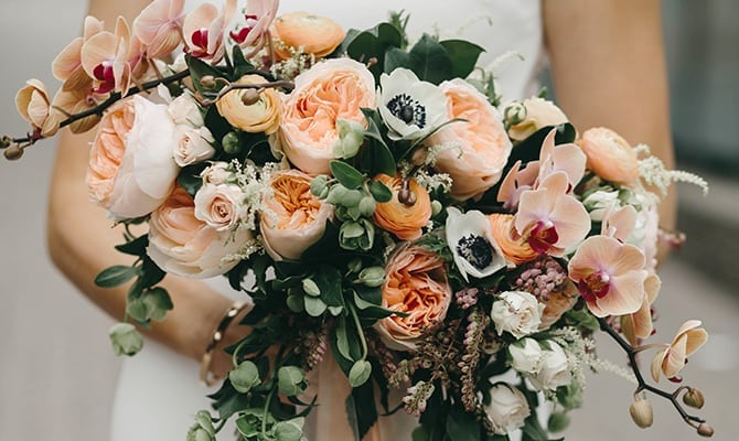 How To Choose Wedding Flowers Floral Themes Arrangements