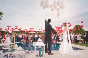 Couple getting married on Valentine's Dat with balloons