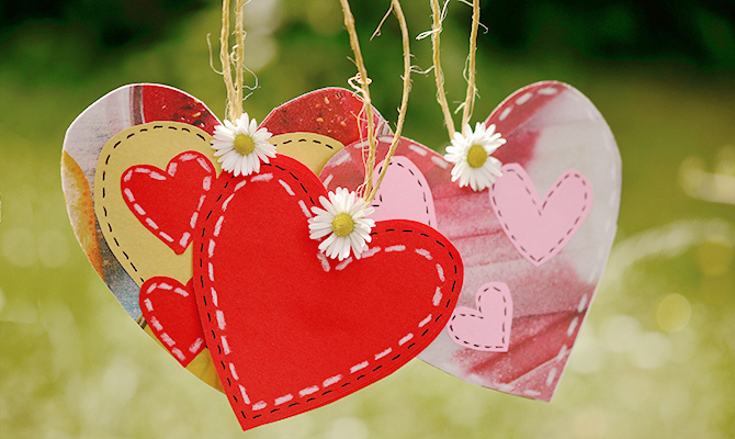Paper hearts craft
