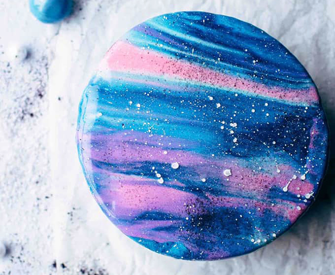 Galaxy cake with mirror glaze